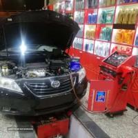 تعویض روغن خودرو با دستگاه ساکشن